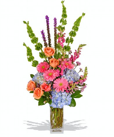 Mother's Day arrangement with roses, gerbera's and hydrangeas